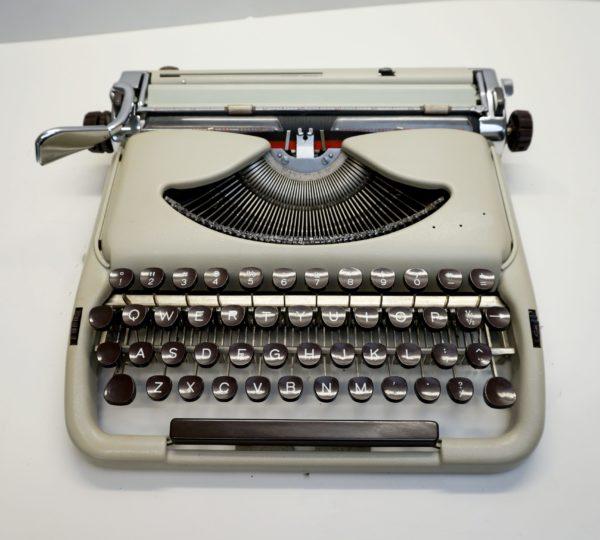 kolibri typewriter
