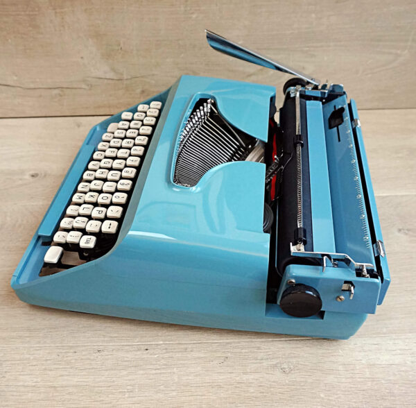 Remington 1040 typewriter
