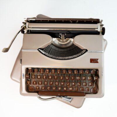 Tippa typewriter