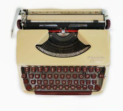 Olympia Splendid 66 Typewriter
