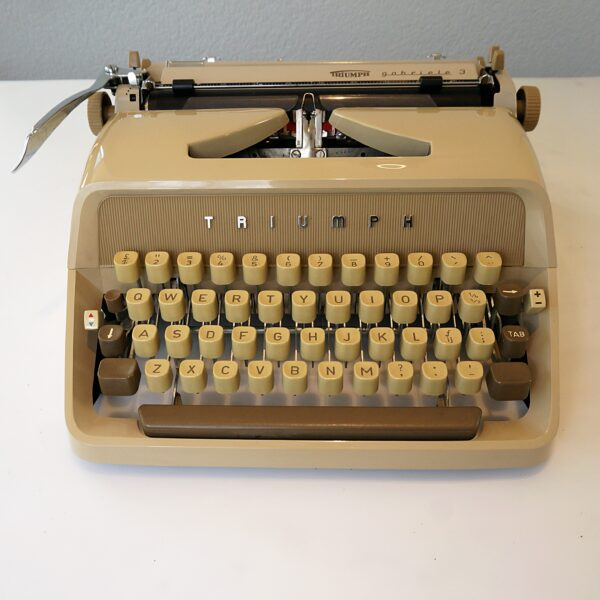 Triumph gabriele typewriter