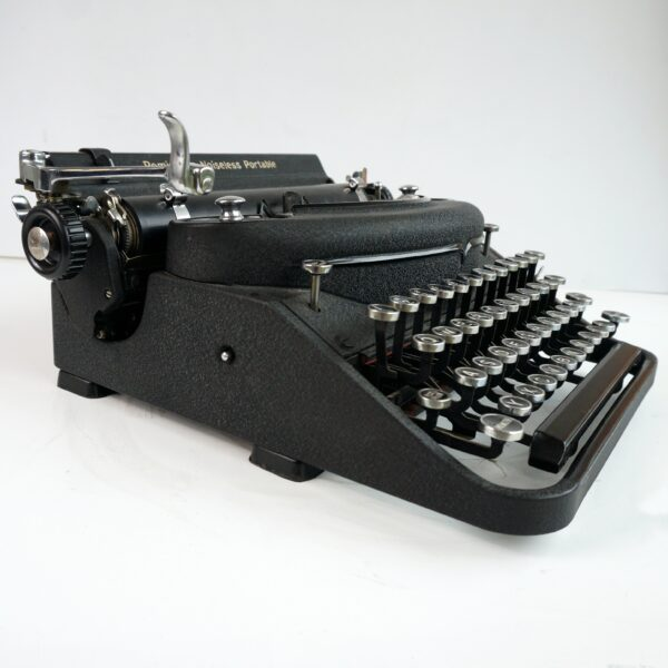 remington portable noiseless deluxe typewriter