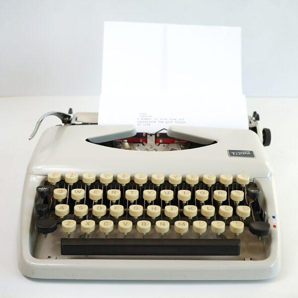 Adler tippa typewriter