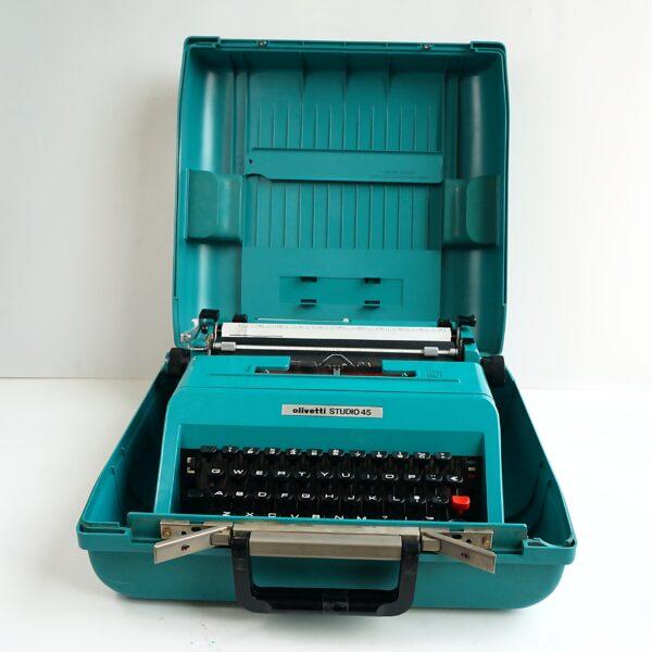 Olivetti Studio 45 typewriter