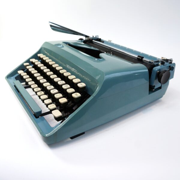remington 1040 typewriter
