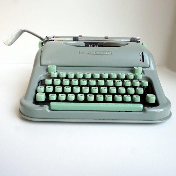 hermes typewriter