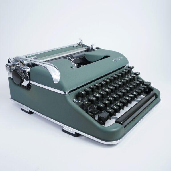 Olympia sm3 typewriter