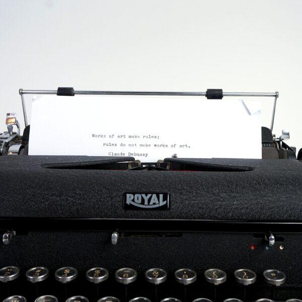 Royal Arrow Typewriter 1943
