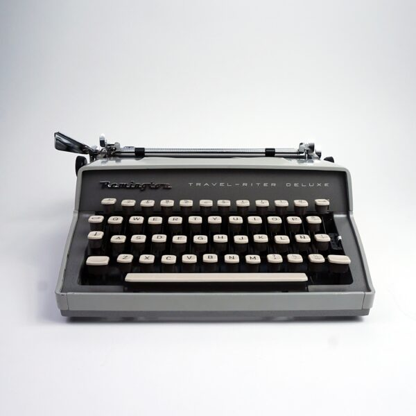 Remington Travel-Riter Deluxe typewriter