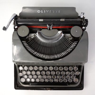 Olivetti MP1 Invicta typewriter and case