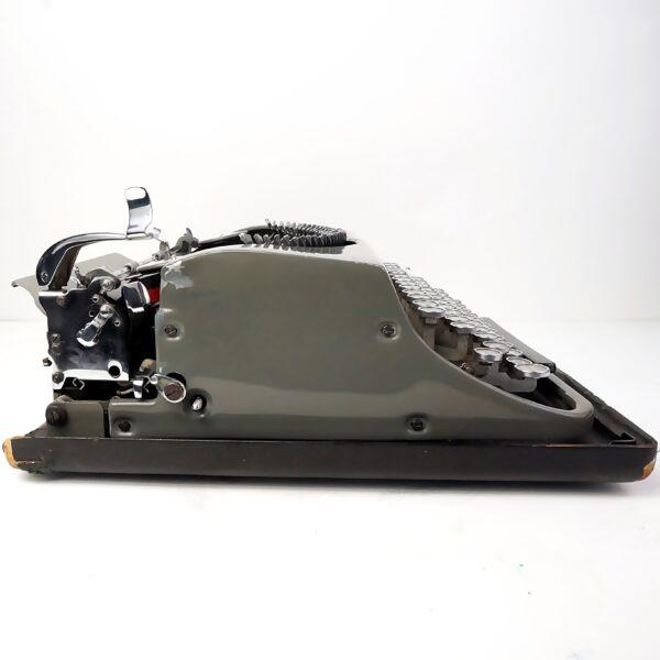Olivetti MP1 Invicta typewriter and case